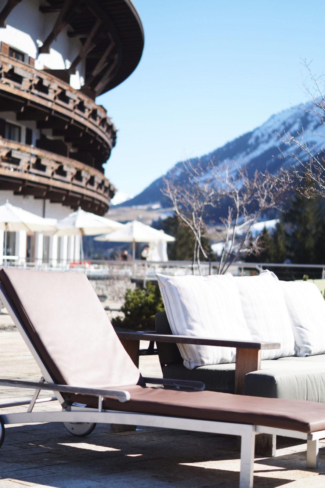 Hotel Review Travel Charme Ifen Hotel Kleinwalsertal Austria Österreich Hotelbewertung Gartenlandschaft Sonnenliege