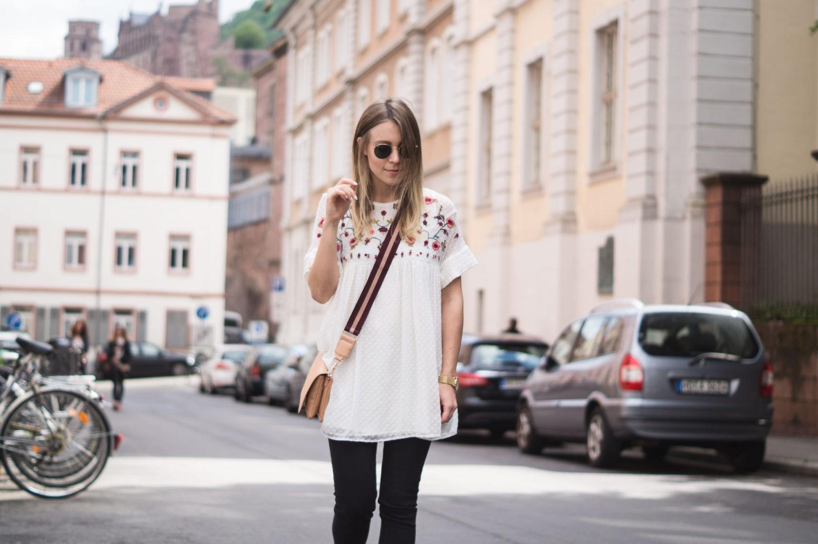 Floral Summer Dress Zara Jumpsuit Black Loafers Pantoletten Sommerkleid Streetstyle Heidelberg Sariety Modeblog Streetstyle Statement