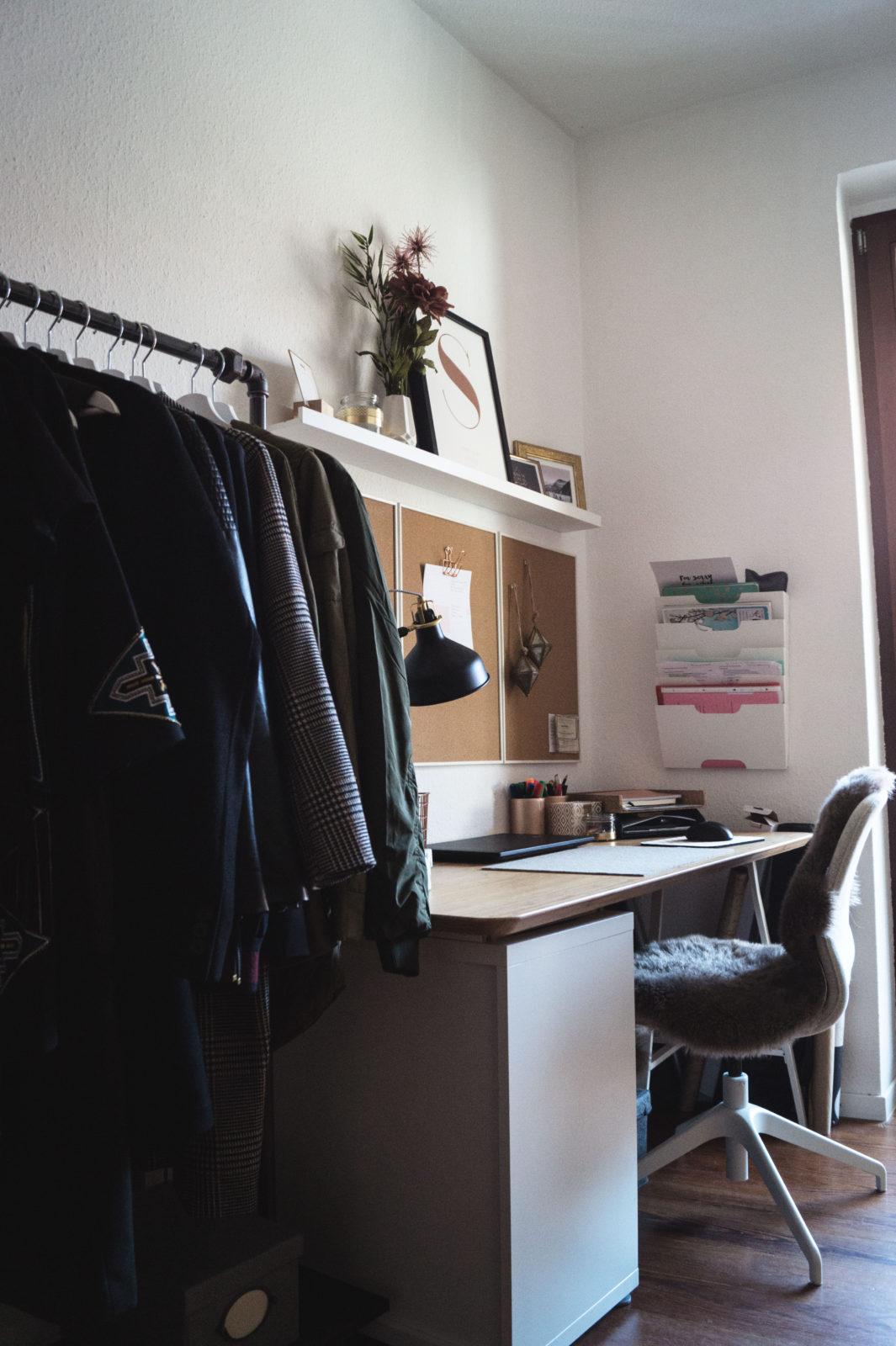 HOME STORY New Walk In Closet & Office with Rackbuddy begehbarer Kleiderschrank Work Space Kleiderstange Blogger Sariety Ikea