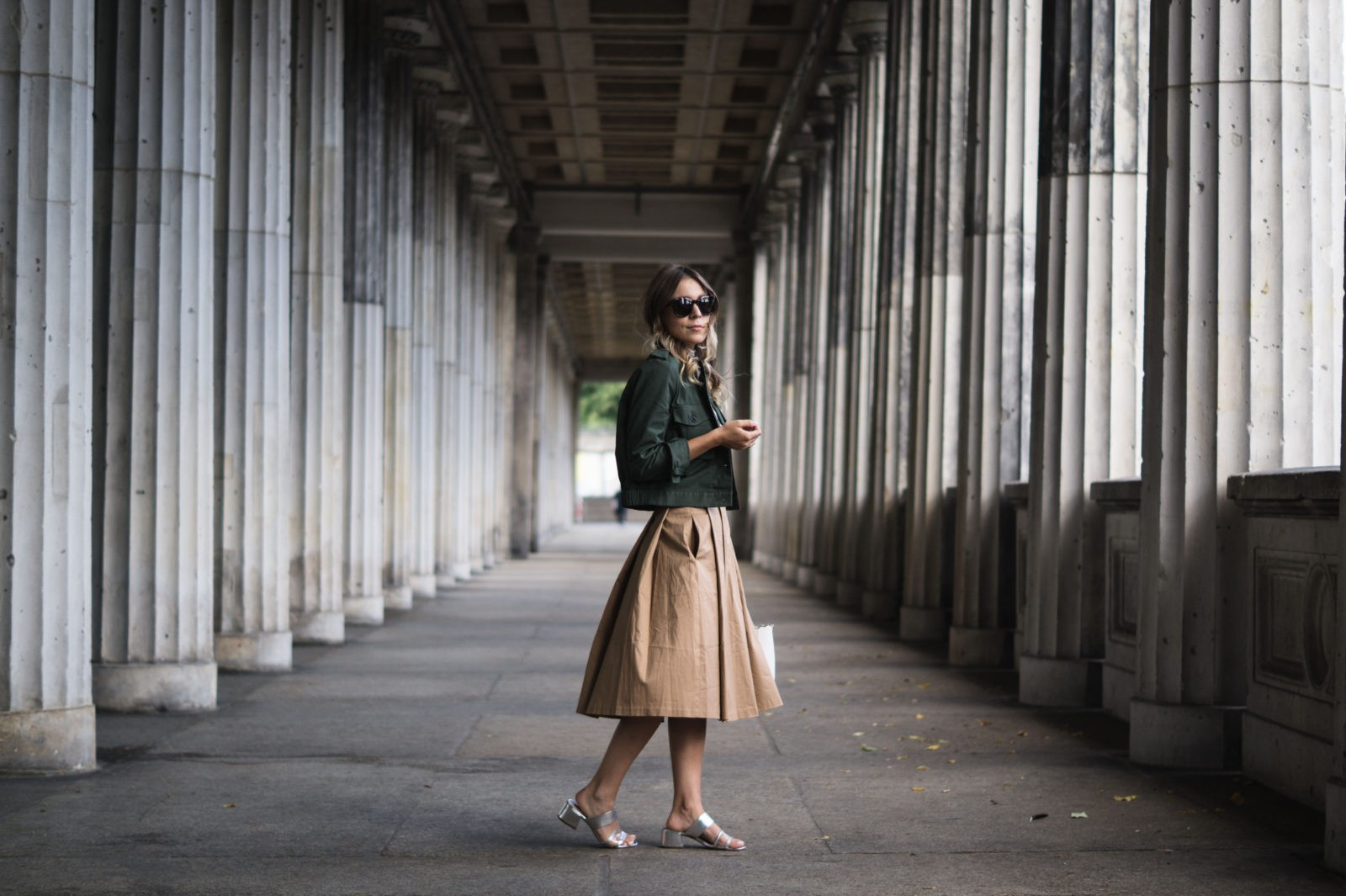 Fashion Week Berlin Streetstyle Sariety Midi Rock Skirt Museumsinsel MBFW Modeblogger Fashionblog Outfit-1