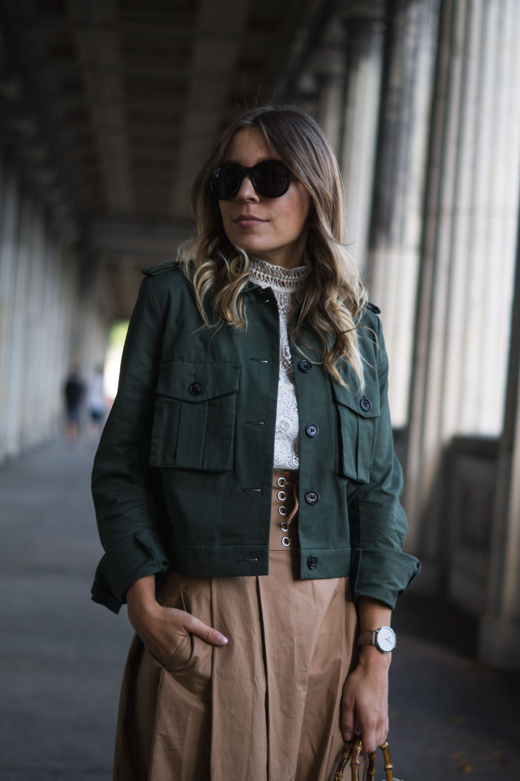 Fashion Week Berlin Streetstyle Sariety Midi Rock Skirt Museumsinsel MBFW Modeblogger Fashionblog Outfit-12