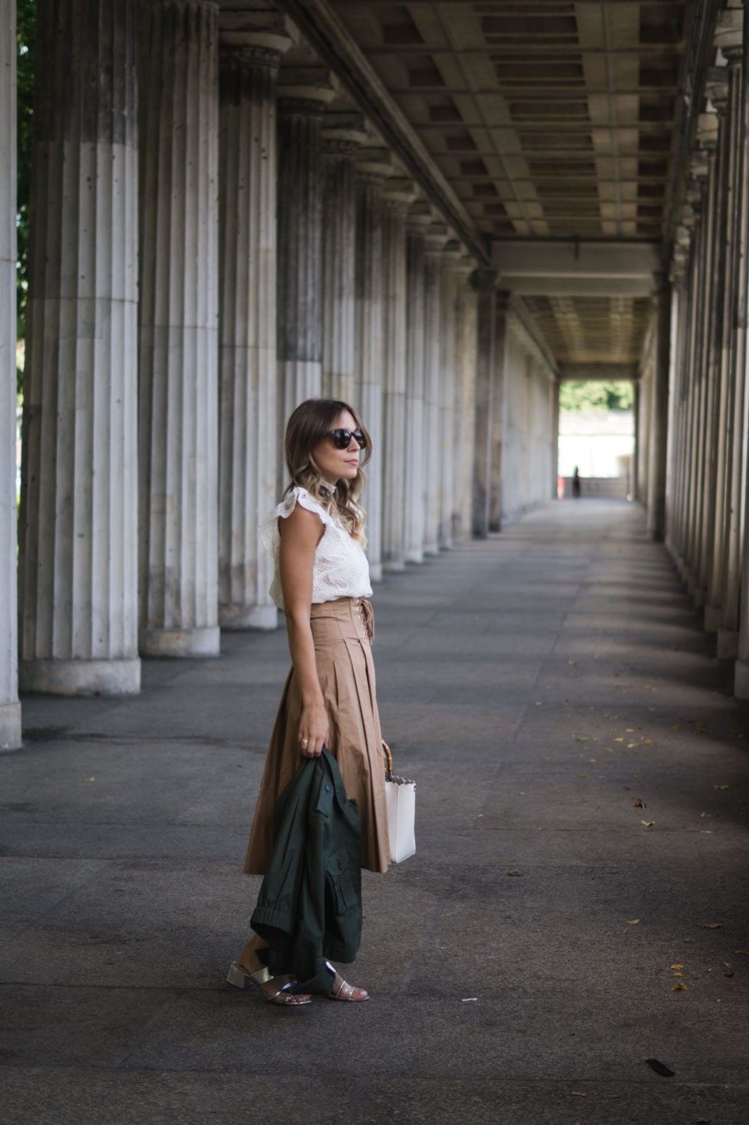 Fashion Week Berlin Streetstyle Sariety Midi Rock Skirt Museumsinsel MBFW Modeblogger Fashionblog Outfit-19