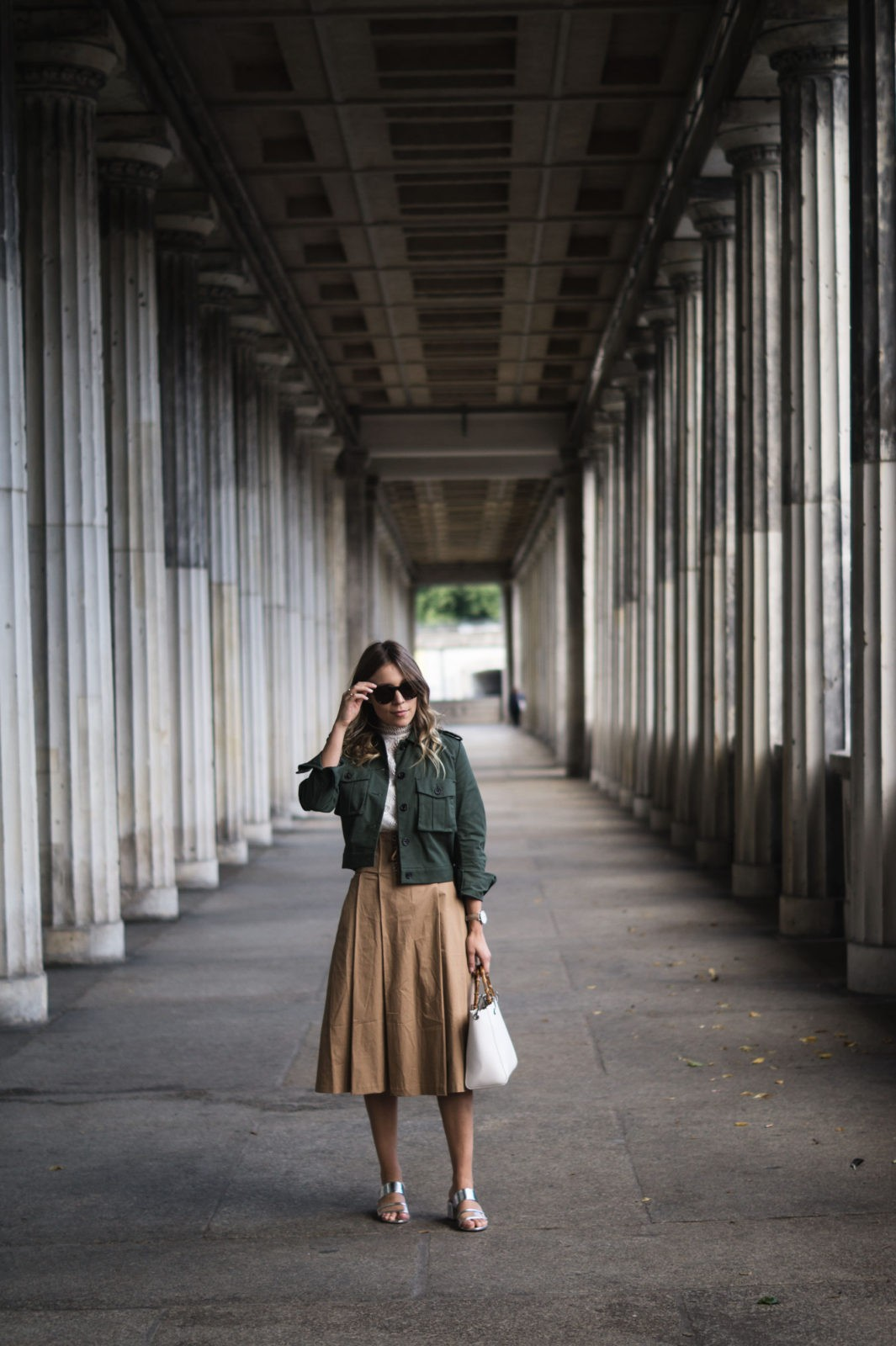 Fashion Week Berlin Streetstyle Sariety Midi Rock Skirt Museumsinsel MBFW Modeblogger Fashionblog Outfit-2