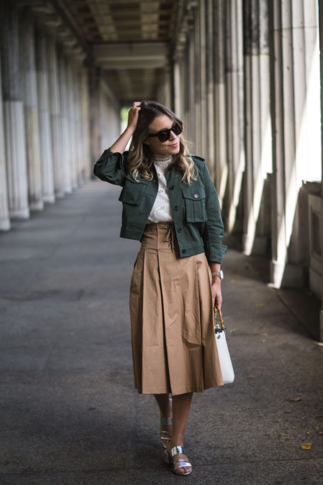 Fashion Week Berlin Streetstyle Sariety Midi Rock Skirt Museumsinsel MBFW Modeblogger Fashionblog Outfit-4