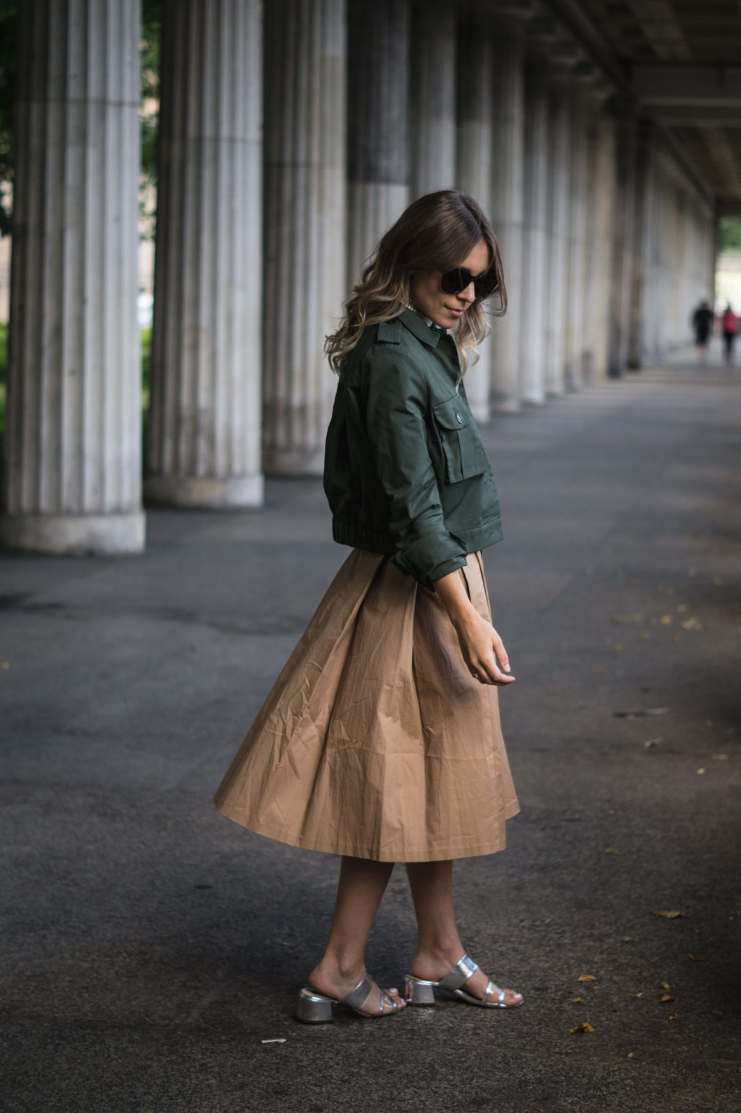 Fashion Week Berlin Streetstyle Sariety Midi Rock Skirt Museumsinsel MBFW Modeblogger Fashionblog Outfit-5