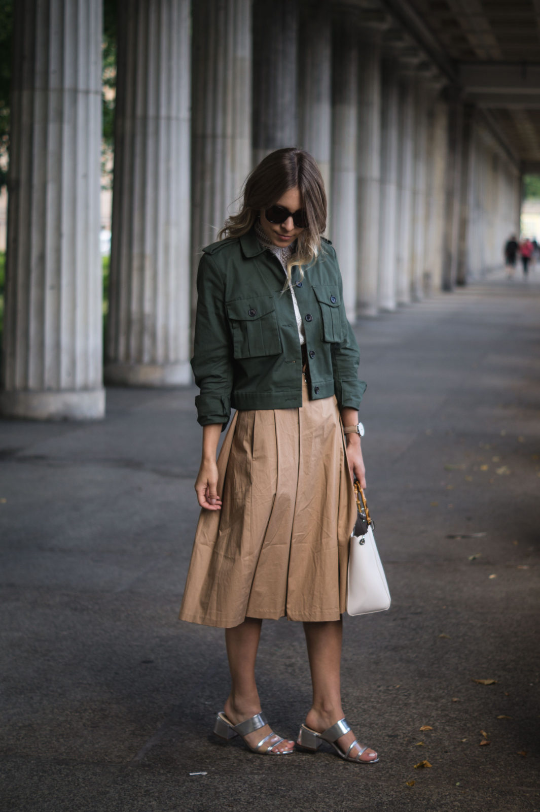 Fashion Week Berlin Streetstyle Sariety Midi Rock Skirt Museumsinsel MBFW Modeblogger Fashionblog Outfit-6