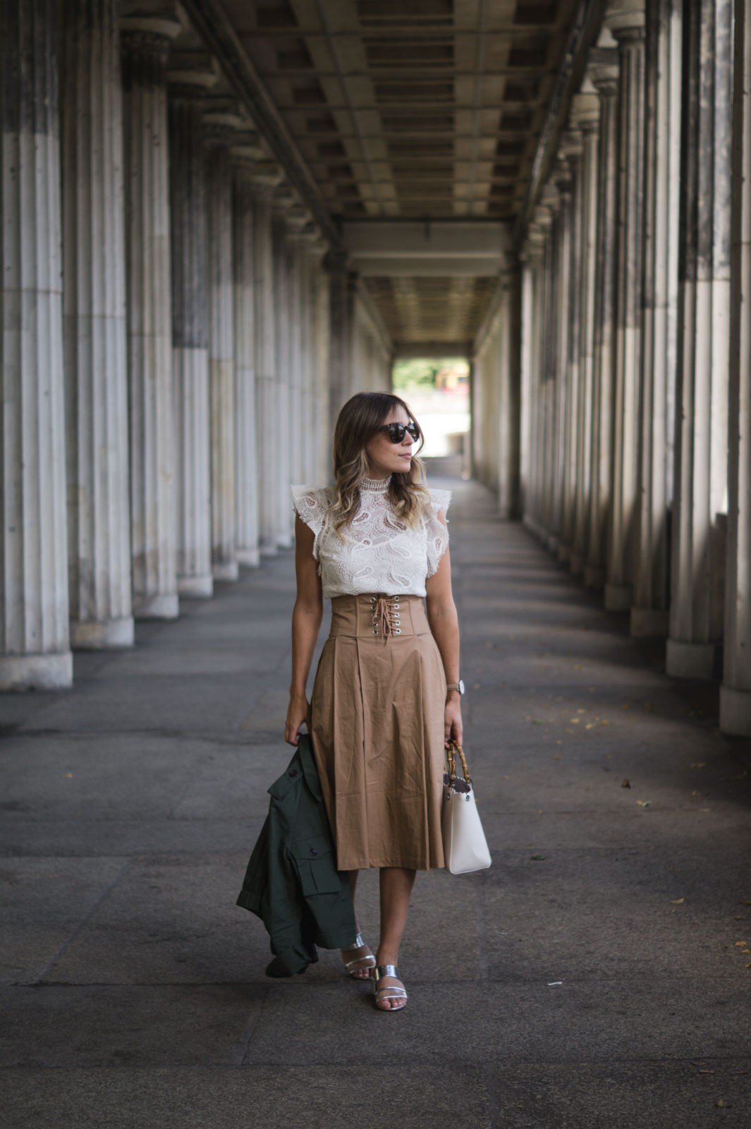 Fashion Week Berlin Streetstyle Sariety Midi Rock Skirt Museumsinsel MBFW Modeblogger Fashionblog Outfit-8