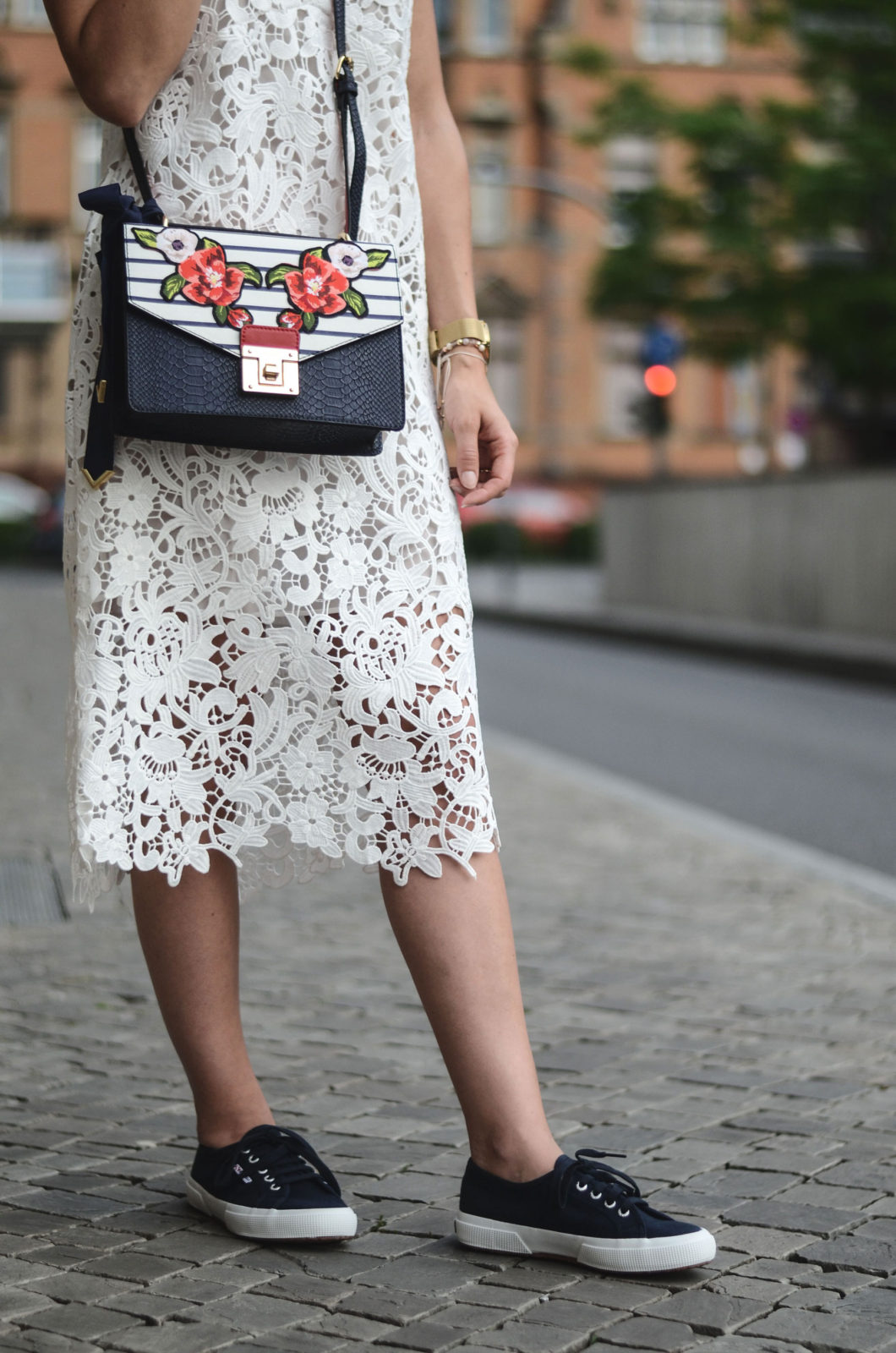 Sariety-modeblog-heidelberg-sarah-czok-fashionblogger-zara-spitzenkleid-superga-aldo-bag-15