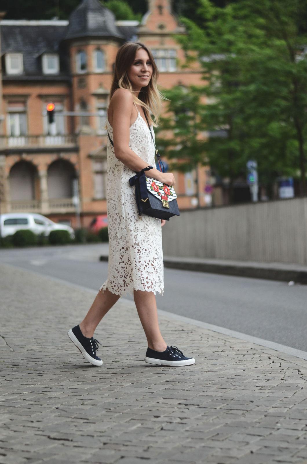 Sariety-modeblog-heidelberg-sarah-czok-fashionblogger-zara-spitzenkleid-superga-aldo-bag-4