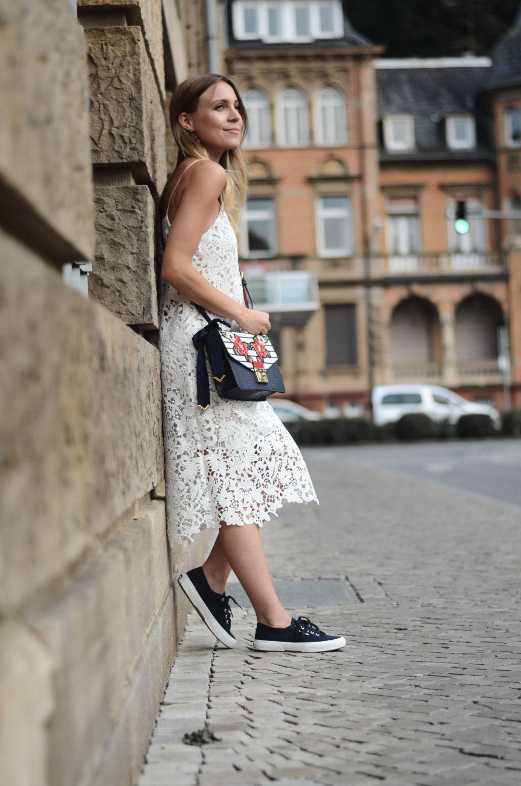 Sariety-modeblog-heidelberg-sarah-czok-fashionblogger-zara-spitzenkleid-superga-aldo-bag-9
