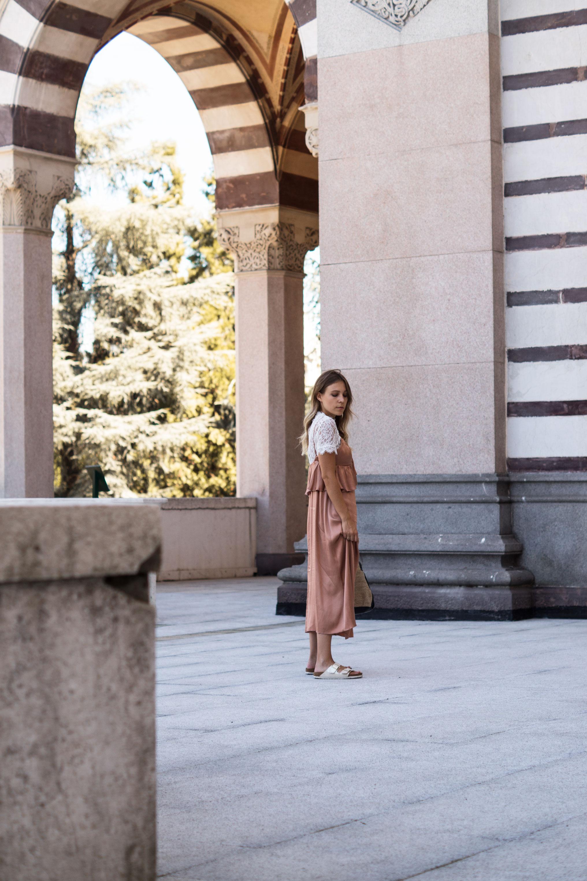 Copper Slipdress rosa Satinkleid silk dress ruffles Rüschenkleid H&M Sariety Modeblog Heidelberg Fashionblogger Milan Mailand Shooting-19
