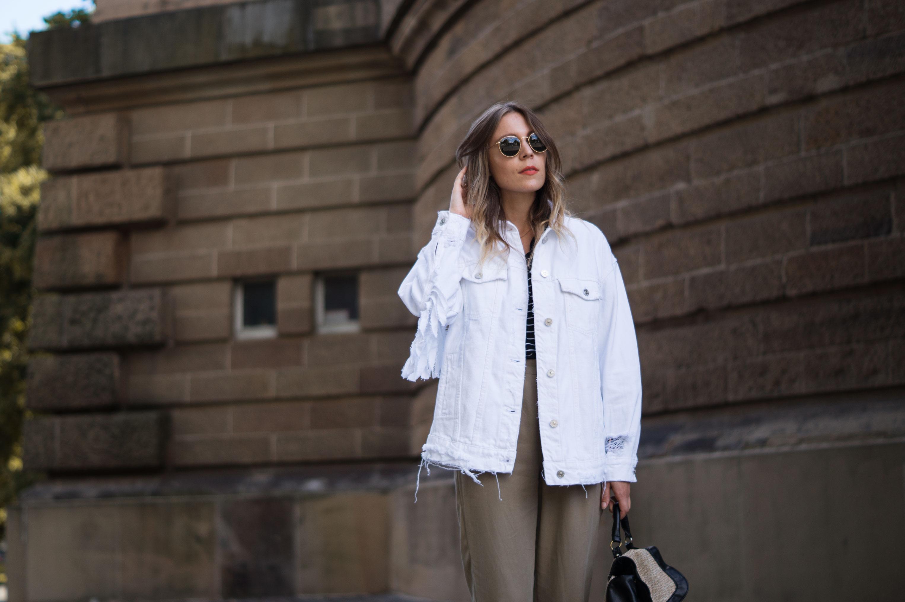 Fringed Denim Jacket Fransenjacke weiße Jeansjacke Casual Outfit Sariety Fashionblogger Modeblog Heidelberg Mannheim Wasserturm-10
