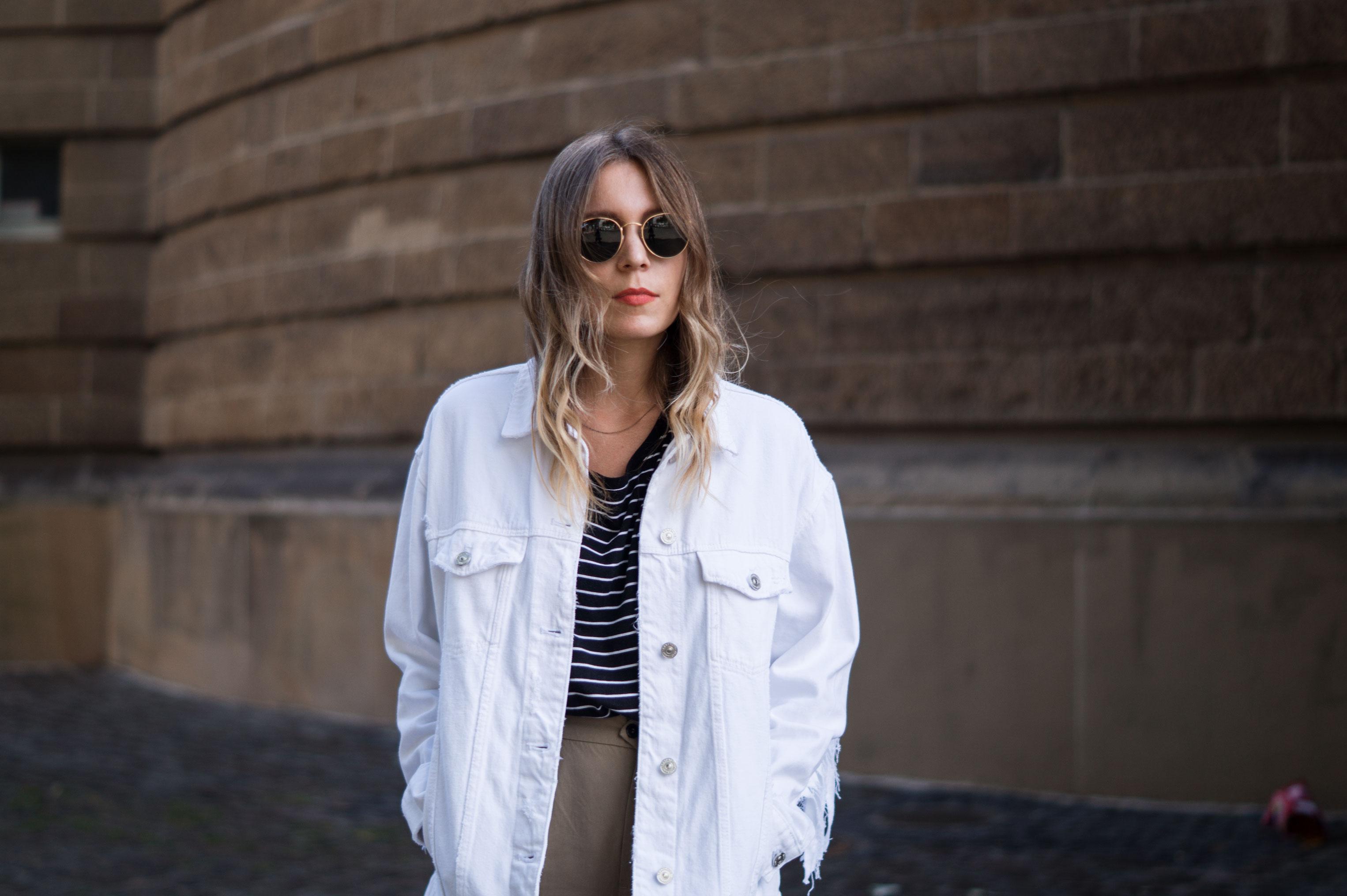 Fringed Denim Jacket Fransenjacke weiße Jeansjacke Casual Outfit Sariety Fashionblogger Modeblog Heidelberg Mannheim Wasserturm-2