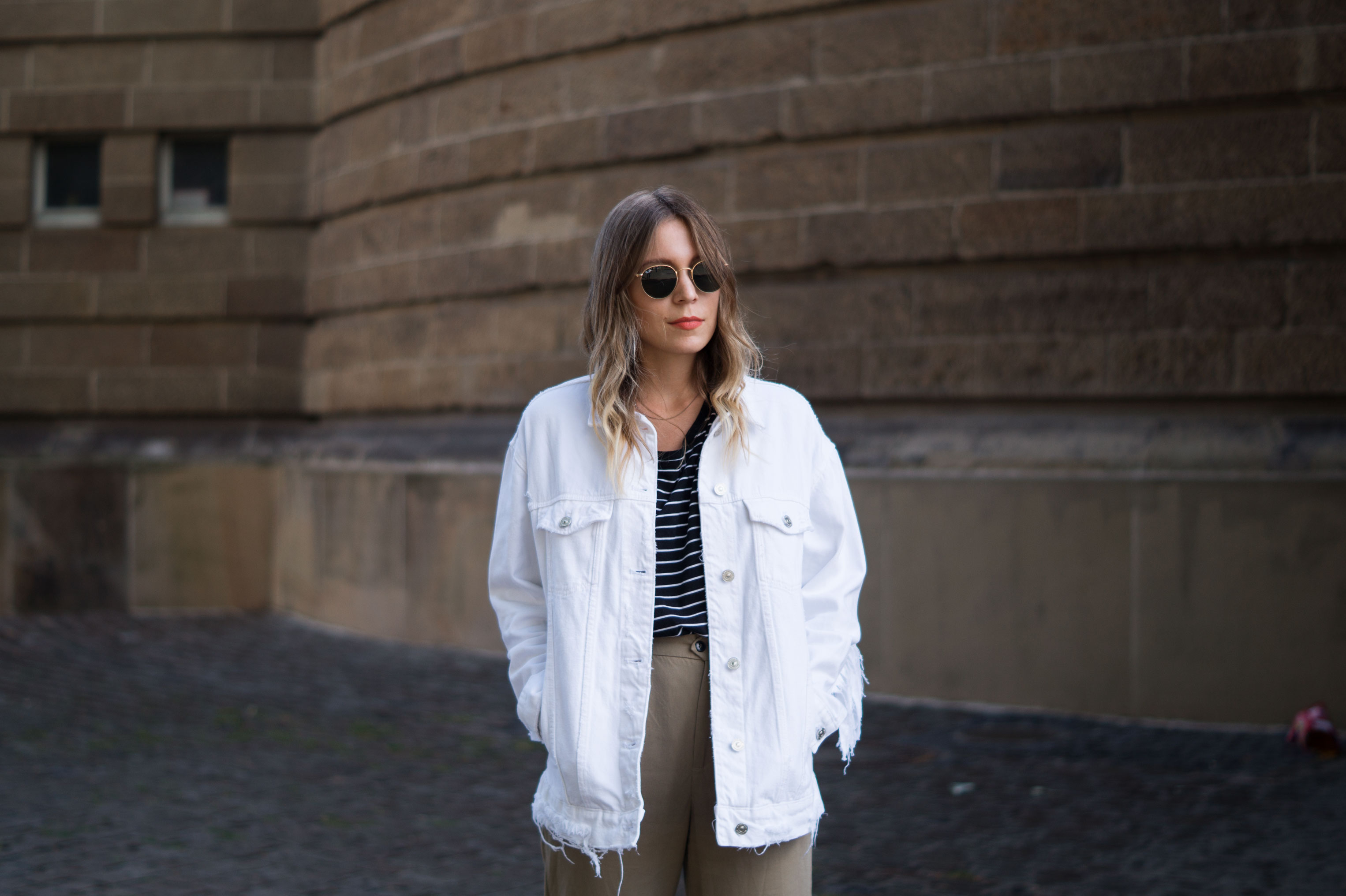 Fringed Denim Jacket Fransenjacke weiße Jeansjacke Casual Outfit Sariety Fashionblogger Modeblog Heidelberg Mannheim Wasserturm-3