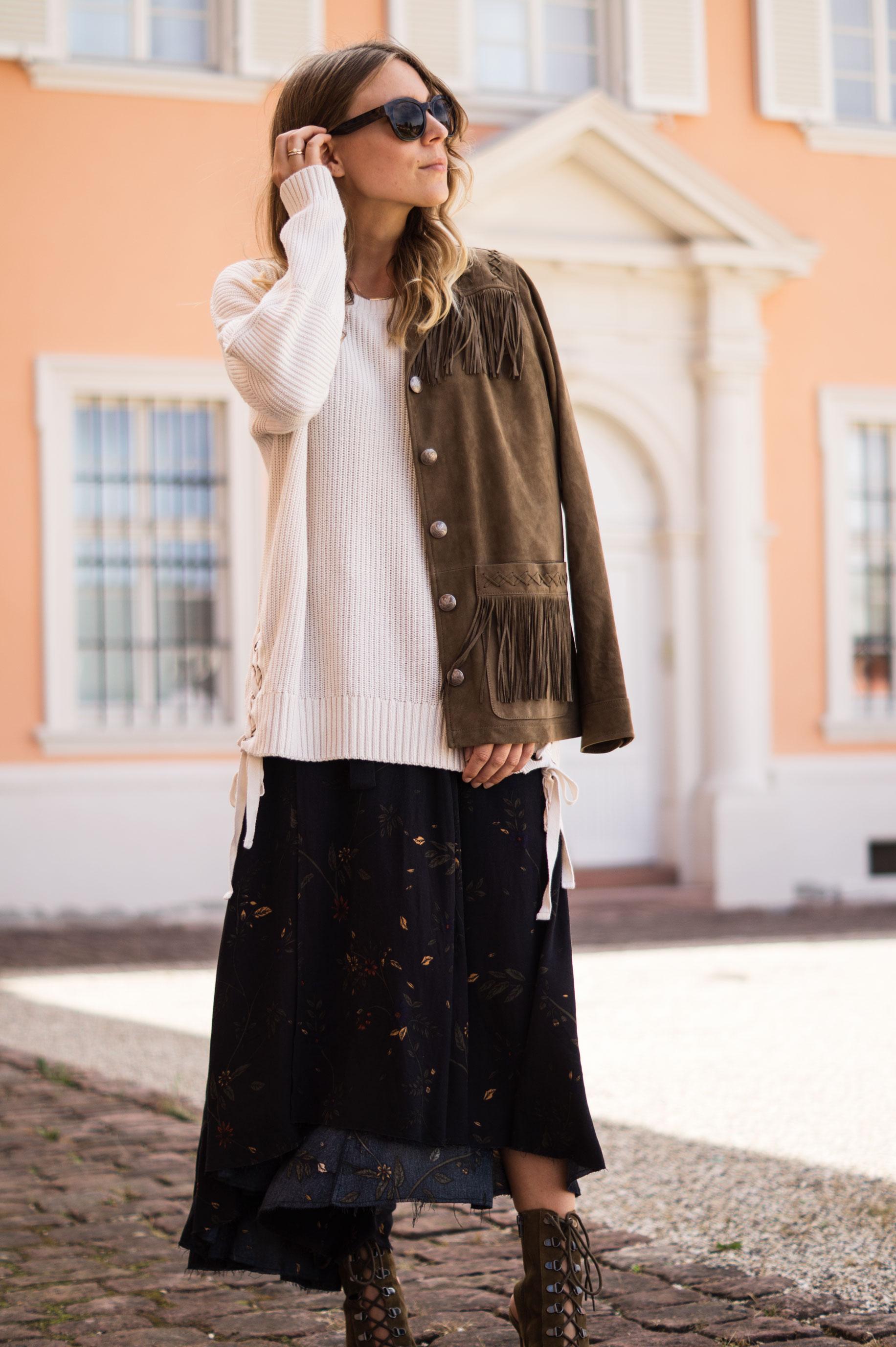 Fall Layers Herbstlook Fransenjacke Wildlederjacke Lace Up Heels Sariety Sarah Schaefer Modeblog Heidelberg_12