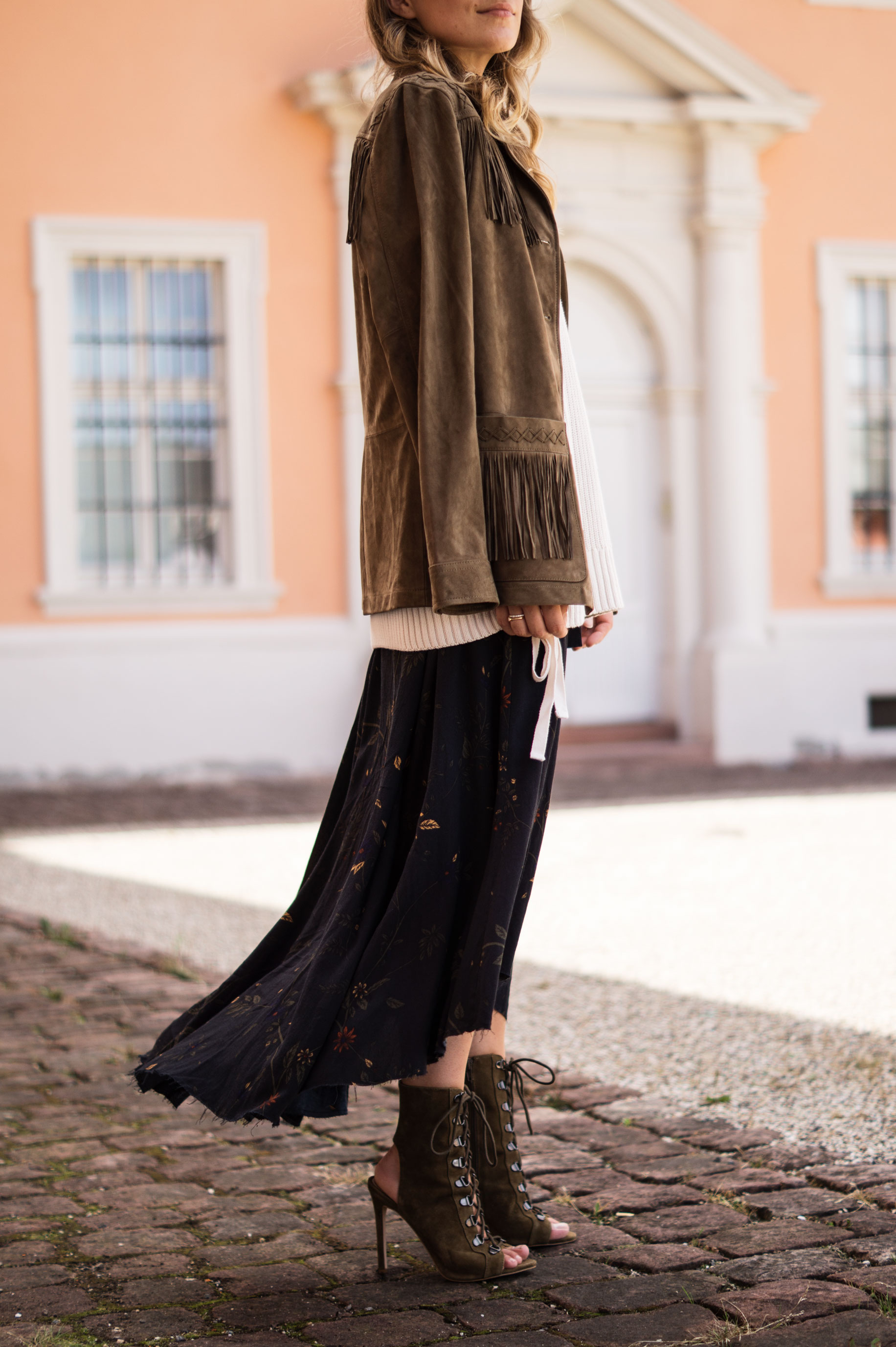 Fall Layers Herbstlook Fransenjacke Wildlederjacke Lace Up Heels Sariety Sarah Schaefer Modeblog Heidelberg_14