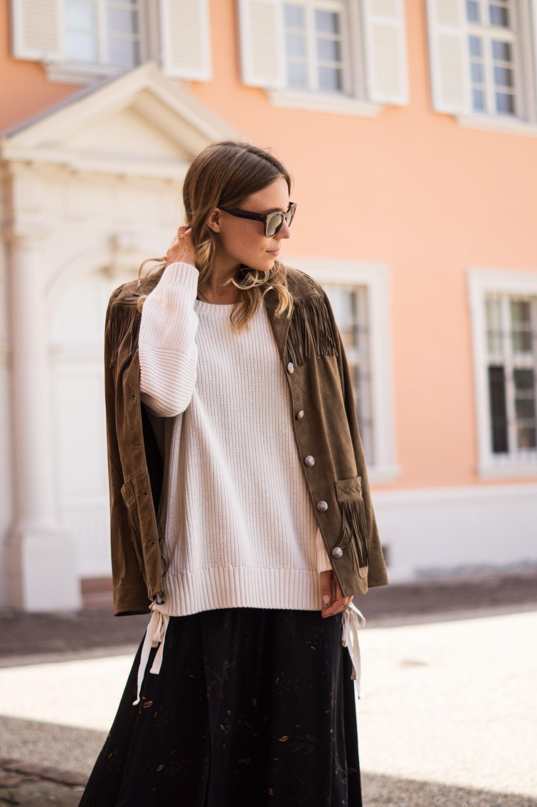 Fall Layers Herbstlook Fransenjacke Wildlederjacke Lace Up Heels Sariety Sarah Schaefer Modeblog Heidelberg_15