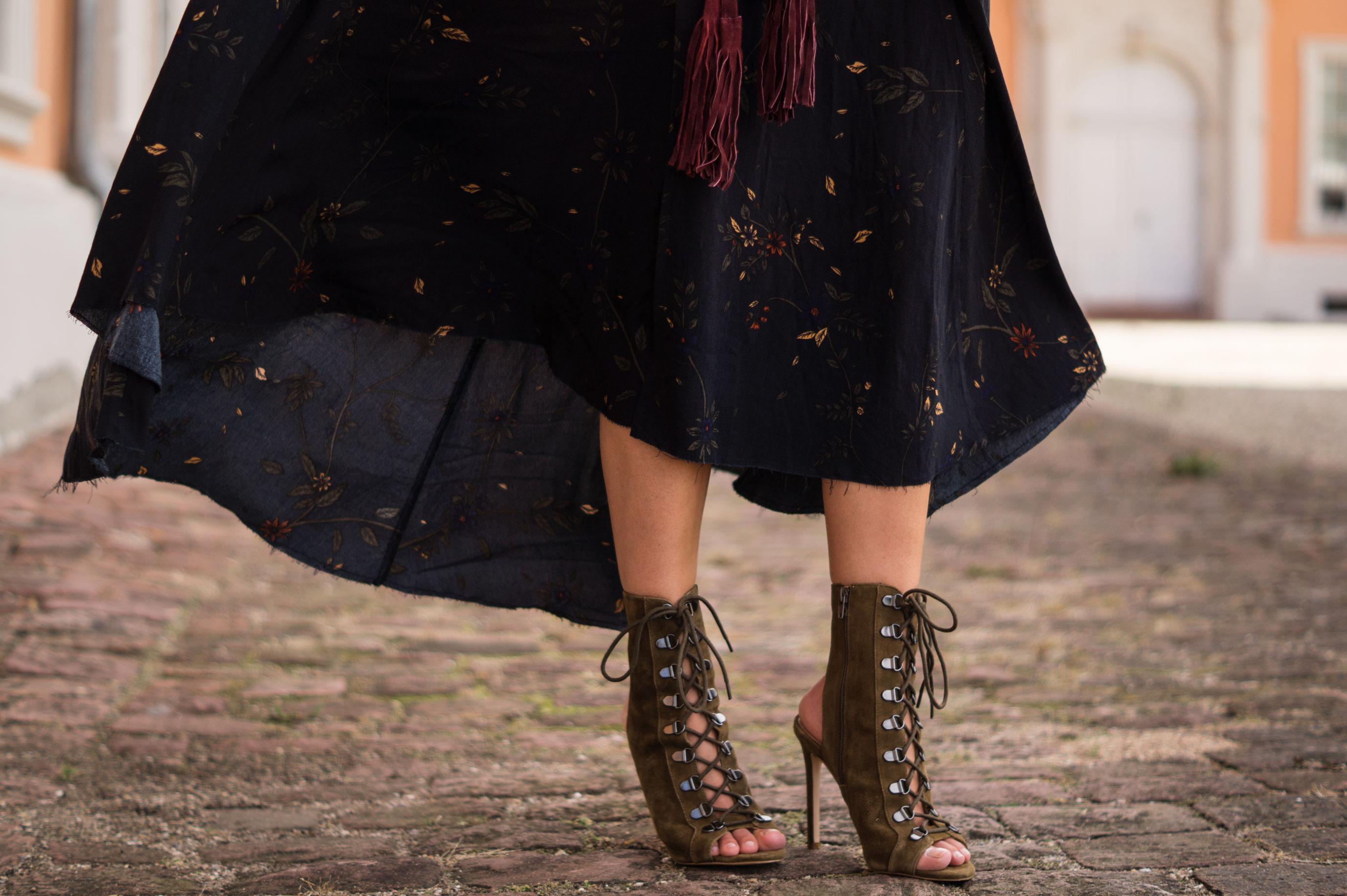 Fall Layers Herbstlook Fransenjacke Wildlederjacke Lace Up Heels Sariety Sarah Schaefer Modeblog Heidelberg_16