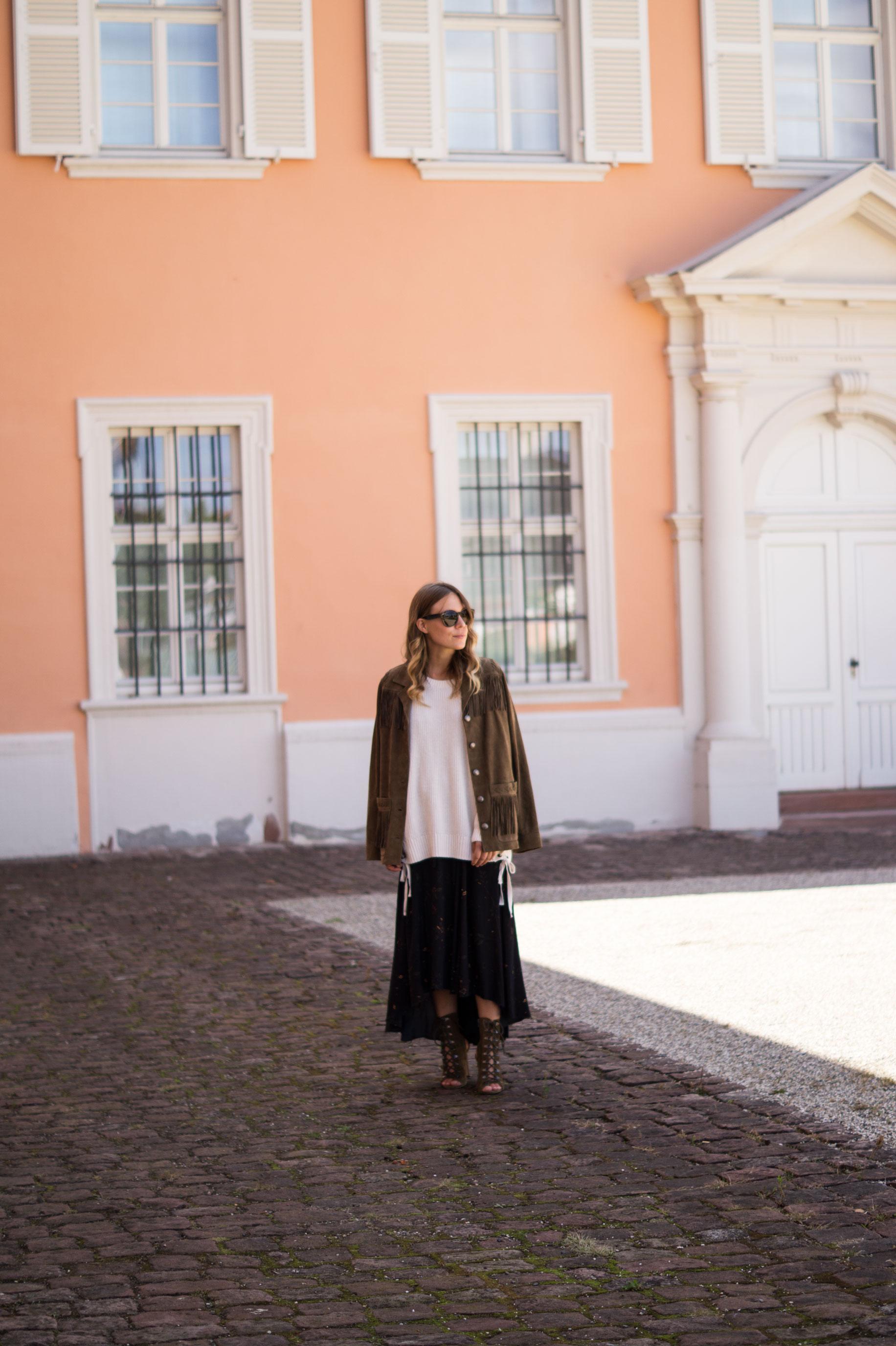 Fall Layers Herbstlook Fransenjacke Wildlederjacke Lace Up Heels Sariety Sarah Schaefer Modeblog Heidelberg_2