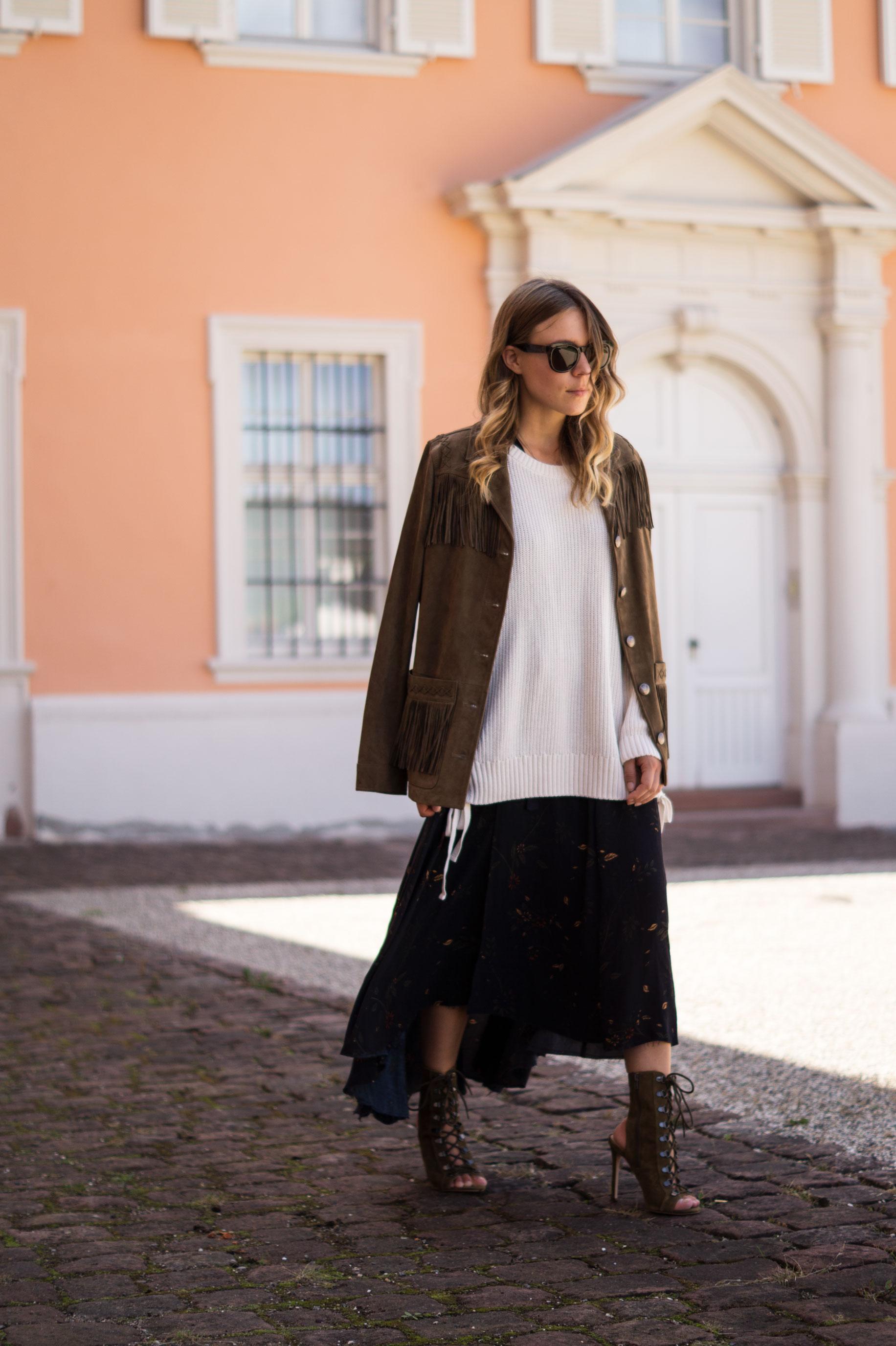 Fall Layers Herbstlook Fransenjacke Wildlederjacke Lace Up Heels Sariety Sarah Schaefer Modeblog Heidelberg_4
