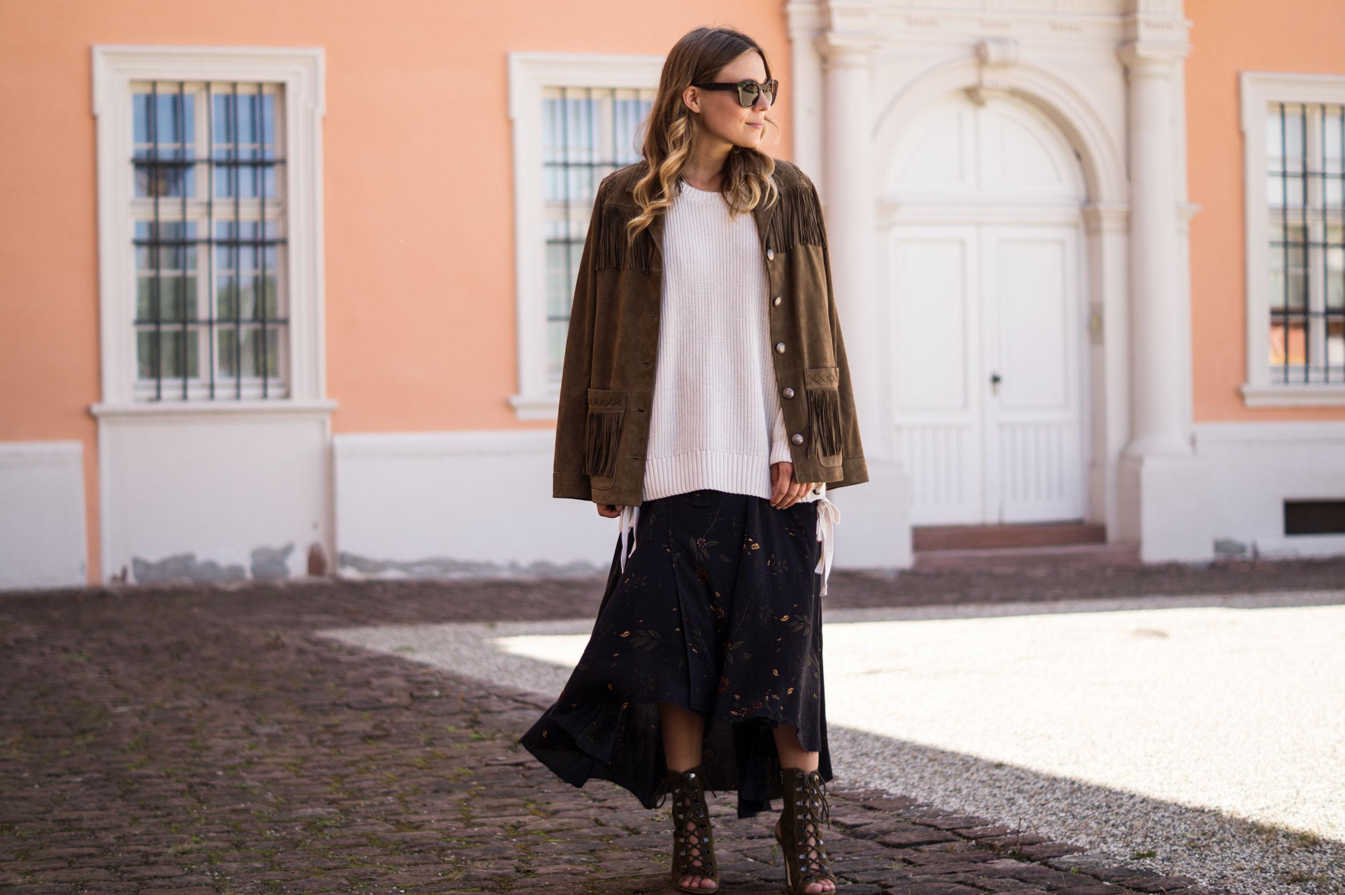 Fall Layers Herbstlook Fransenjacke Wildlederjacke Lace Up Heels Sariety Sarah Schaefer Modeblog Heidelberg_6