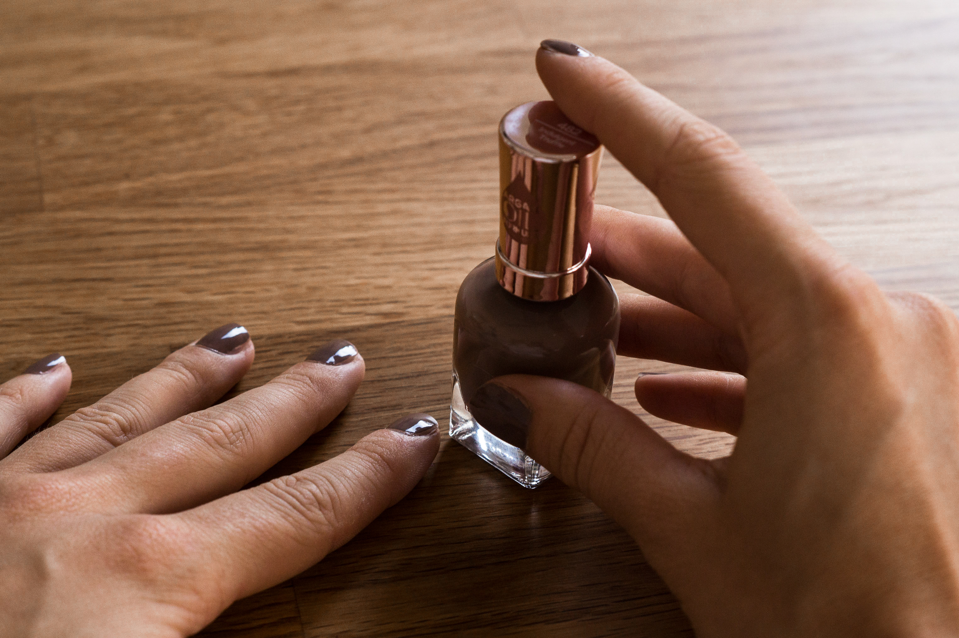 Sally Hansen Color Therapy Nude Nailpolish Better Than Bare Nails Nagellack Nudeton Nagelpflege Beatly Review Sariety Modeblog_10