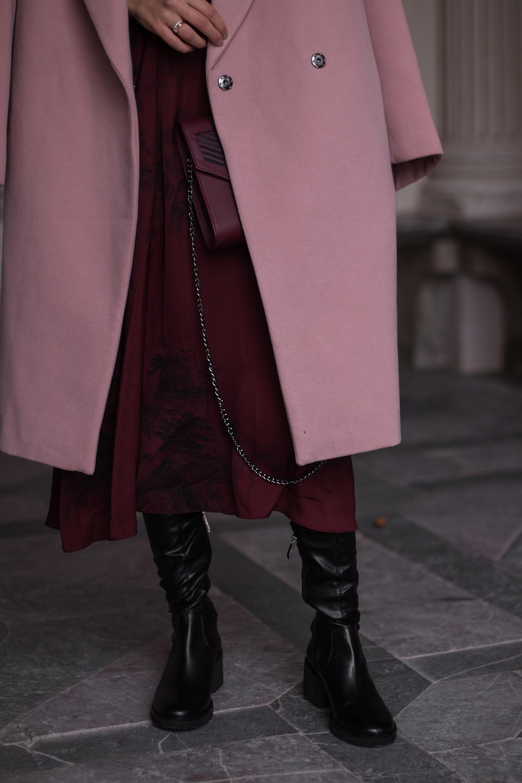 pink oversize coat bordeaux satin dress black overknees. Black Bedroom Furniture Sets. Home Design Ideas