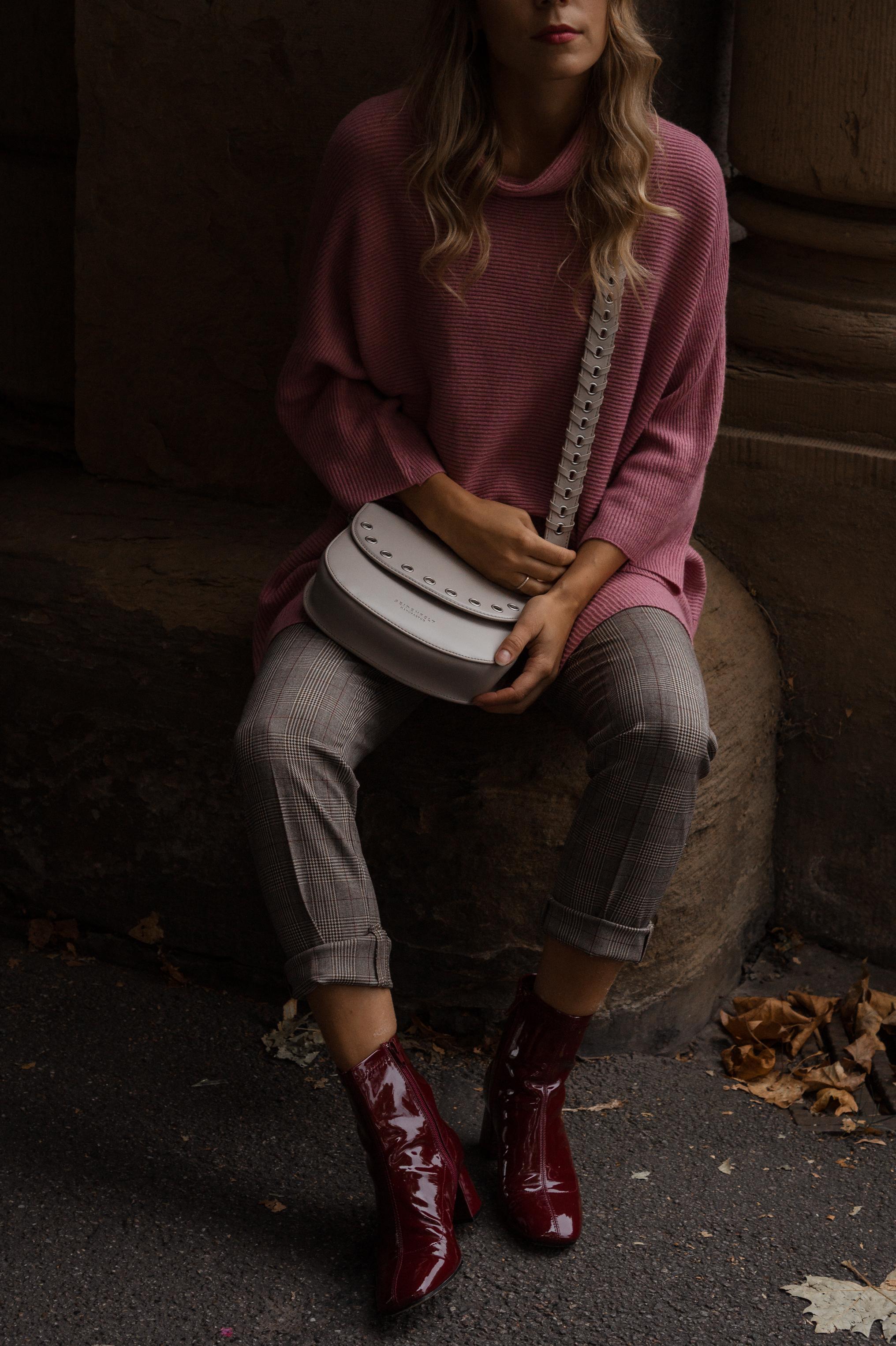 Instagram-Frust Seidenfelt Tasche Modeblogger Heidelberg Sariety Fashionblog Sarah Schäfer karierte Hose rote Lackschuhe_10