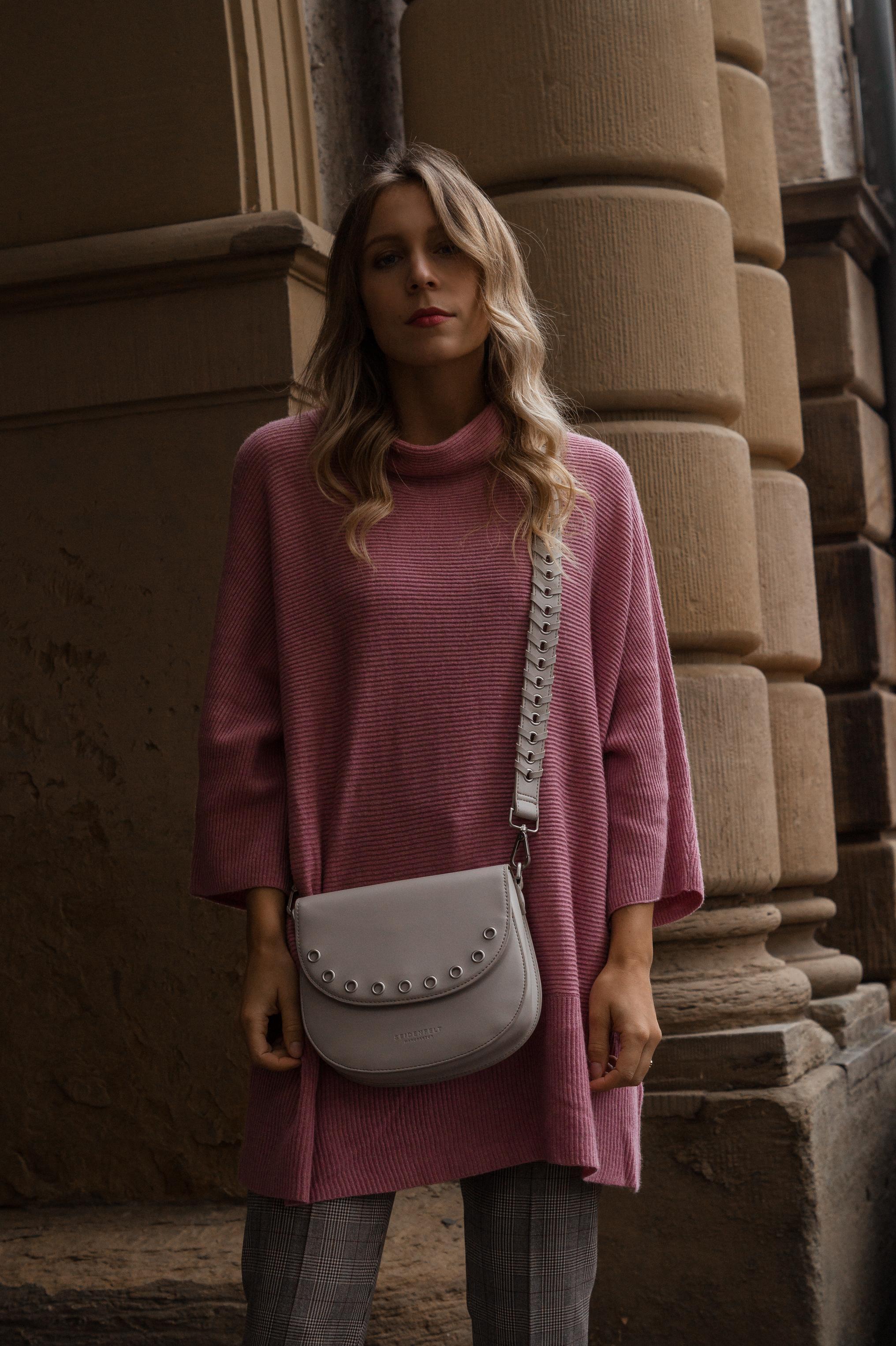 Instagram-Frust Seidenfelt Tasche Modeblogger Heidelberg Sariety Fashionblog Sarah Schäfer karierte Hose rote Lackschuhe_2
