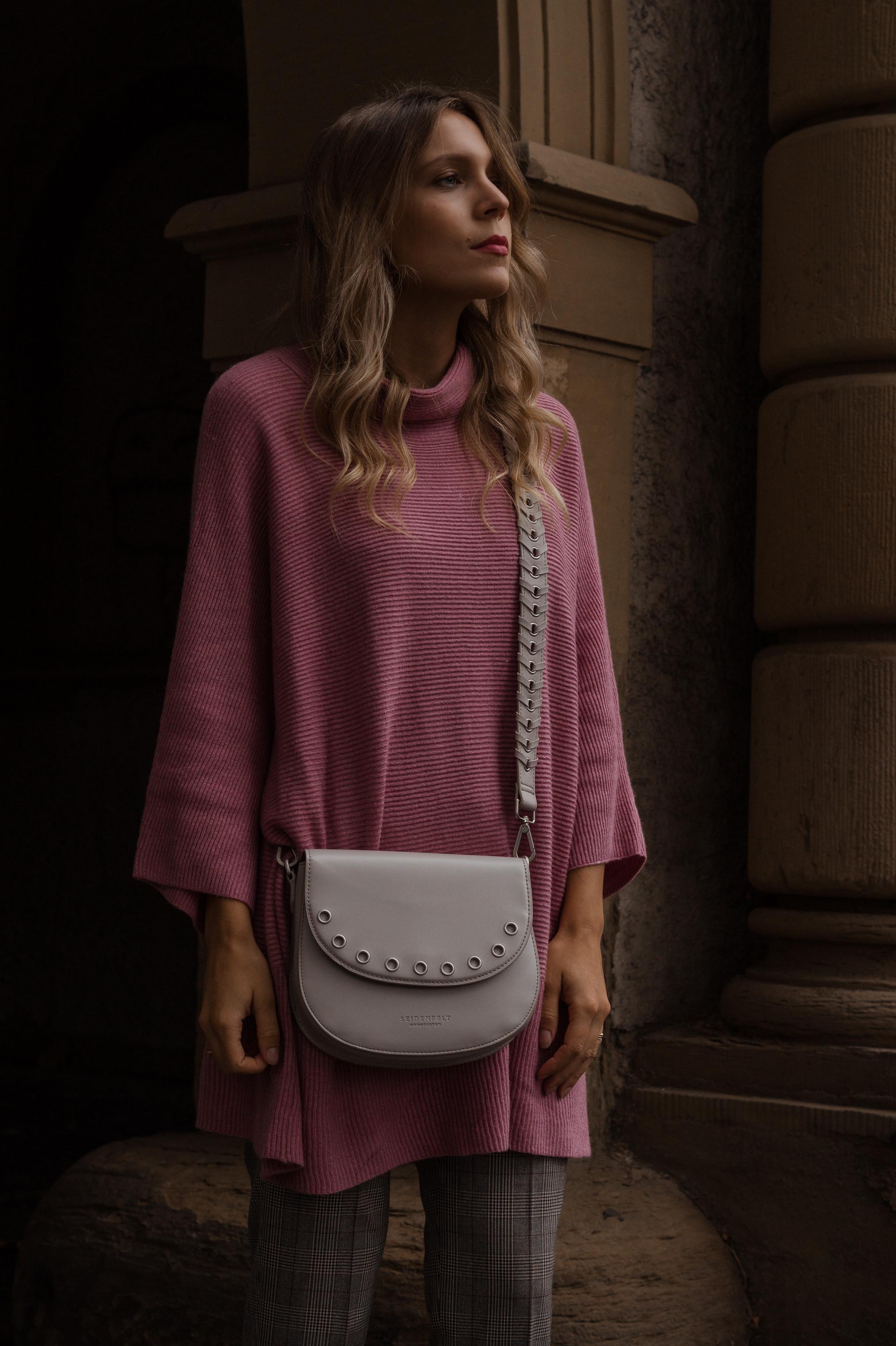 Instagram-Frust Seidenfelt Tasche Modeblogger Heidelberg Sariety Fashionblog Sarah Schäfer karierte Hose rote Lackschuhe_5