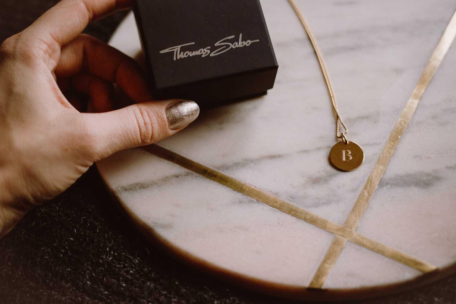 Thomas Sabo gravierter Schmuck Gravur Halskette Schmuckstücke Weihnachtsgeschenk Weihnachten gold Sariety Fashionblogger Modeblog Heidelberg_18