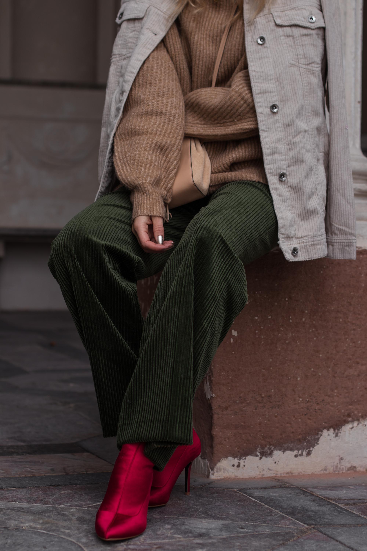 Green Cord Pants Chloe Bag Red Sock Boots Trend Cord Jacket Sariety Modeblog Fashionblogger Sarah Schäfer Cordhose_11