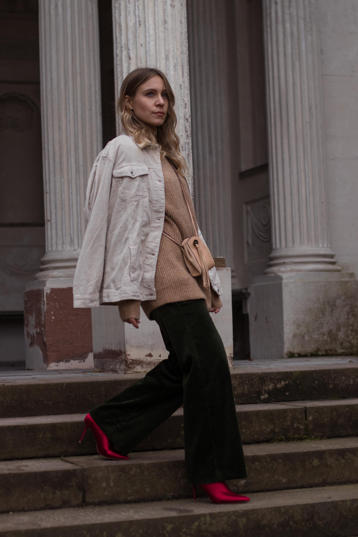Green Cord Pants Chloe Bag Red Sock Boots Trend Cord Jacket Sariety Modeblog Fashionblogger Sarah Schäfer Cordhose_15