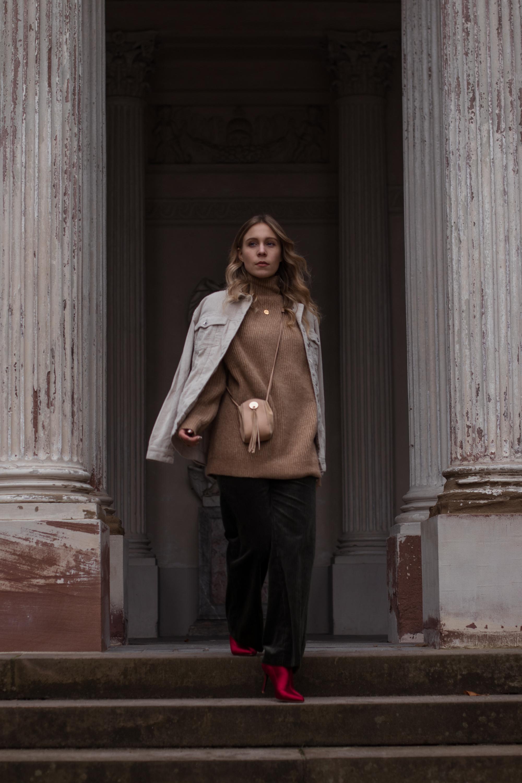 Green Cord Pants Chloe Bag Red Sock Boots Trend Cord Jacket Sariety Modeblog Fashionblogger Sarah Schäfer Cordhose_17-001