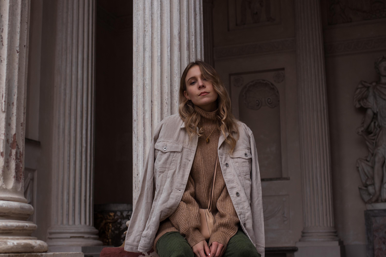 Green Cord Pants Chloe Bag Red Sock Boots Trend Cord Jacket Sariety Modeblog Fashionblogger Sarah Schäfer Cordhose_6